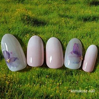お花とグラデーション  #瑠美先生シール#グラデーション #オールシーズン #ネイルチップ #komakusanail #ネイルブック