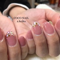 シンプルなピンクのカラーにフレンチホログラム♡ #オールシーズン #ハンド #シンプル #フレンチ #ショート #クリア #ベージュ #ピンク #ジェル #お客様 #COCO ココ♡ #ネイルブック
