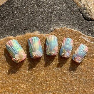 春夏ネイル そろそろこのデザインの季節がやってきますね💕 #春夏ネイル #人魚のウロコネイル #レインボーカラー #homesalon perle blue〜 #ネイルブック