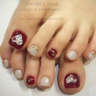 #オールシーズン #デート #女子会 #フット #ラメ #ワンカラー #ビジュー #ハート #ミディアム #ホワイト #ボルドー #シルバー #ジェル #お客様 #Twinkle Star Akiko #ネイルブック
