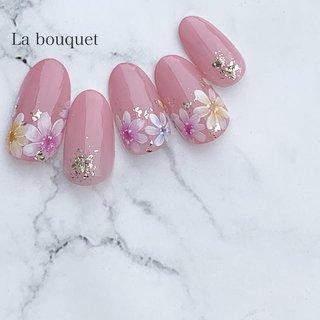 pink💕 眺めてるだけでhappyになれそうだねー♡  #pink#pinknails#flowernails #フラワーネイル#ブライダルネイル#ウェディングネイル#プレ花嫁さんと繋がりたい #プレ花嫁準備#bridal#wedding#コロナが終わったらやりたいネイル #フラワーネイル#ネイルアート#お花ネイル#お花#ネイルデザイン#nail#nails#stayhome#おうち時間#春ネイル#春ネイルデザイン#滋賀#南草津#草津市#滋賀ネイル#滋賀ネイルサロン#草津ネイルサロン#南草津ネイルサロン #春 #夏 #ブライダル #ハンド #シンプル #ワンカラー #フラワー #ミディアム #ピンク #イエロー #水色 #ジェル #La bouquet ウサミレナ #ネイルブック