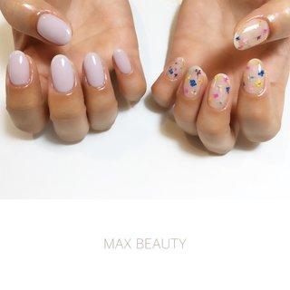 小花に淡いパープルを合わせた春ネイル! #春 #オールシーズン #卒業式 #入学式 #ハンド #maxbeauty #ネイルブック