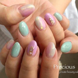 ". . spring colour🌷 . . フォイルとシェルで キーラキラ✩.*˚ ٩(ˊᗜˋ*)و"" . . . Precious 048-915-5205 . #Precious#privatebeautysaron#越谷ネイルPrecious#定額制#ネイルサロン#越谷#新越谷Precious#春ネイル#梅雨ネイル#春カラー2020#koshigaya#saitama#nail#NAIL#cute#follow me#follow#japan nails#japan#spring nails#spring colour #Precious 〜プレシャス〜 #ネイルブック"