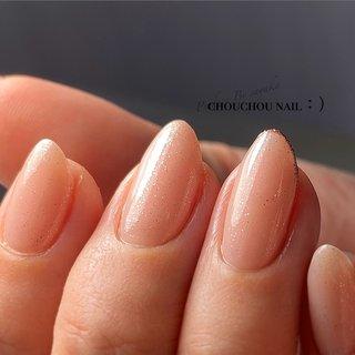 ・ ・ リピーターのお客様M様♥ いつもありがとうございます😊 ・ ☑︎Color #white#silver#beige#pink ・ ☑Design #onecolor #skinnyfrench #maogel _✍ ・ ・ お客様初めての白っぽネイル💭✨ 私もわくわくしながらの施術でしたっ🤣 ワンポイントにシャンパンピンクのラインをd(˙꒳˙* )めためたおしゃんです😂 ・ 安定の艶感🥺🥺♥(4枚目に動画あります☞)きらっきら〜〜💫😆 ・ またのお越しをお待ちしております❤ ・ ・ #うる艶ネイル#ワンカラーネイル#nails#nailstagram#nail#instalike#instanails#gelnails#美指#美#ジェルネイル#ネイル#マオジェル#オフィスネイル#ピンクネイル#ラメネイル#艶々ネイル#キラキラネイル#maonail#maogel導入サロン福岡  #ネイルブック#nailbook#ラメフレンチ ━━━━━━━━━━━━━━━━━━━  ◆アクセス◆ ✰〒825-0002 福岡県田川市伊田4382 タツヤジュエリー2F ✰駐車場有🅿️🚘  〈OPEN☀︎am 10:00 / CLOSE☾pm 19:00〉  ━━━━━━━━━━━━━━━━━━━  ◆ご予約方法◆ ✩完全予約制✩ ✰ネット予約 ➠ [ https://nailbook.jp/salon/20546 ] ✰LINE ID ➠ [ @zyc0440k ] 🔎@含めて検索 ━━━━━━━━━━━━━━━━━━━  ◆お支払い方法◆ ✰現金 ・ paypay ・ クレジット ━━━━━━━━━━━━━━━━━━━  福岡県田川市 うる艶ネイルサロン シュシュネイル:)   メニューなどもっと詳しくはネイルブックよりご覧下さい⸜☺︎⸝ ⇩⇩⇩ 【 https://nailbook.jp/salon/20546 】 #オールシーズン #オフィス #ハンド #シンプル #フレンチ #ホログラム #ラメ #ワンカラー #ミディアム #ホワイト #ベージュ #ピンク #ジェル #お客様 #sayaka☪︎⋆。˚ #ネイルブック