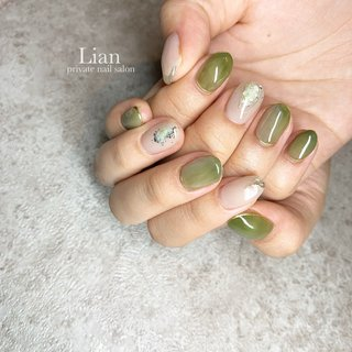 ※過去の画像です♪ . .  green nail❤︎ . いつも楽しいお時間を ありがとうございます❤︎ .   .    . . . #green nail#ニュアンスネイル#囲みネイル#ニュアンスミラーネイル#三木市#三木市ネイルサロン#三木市プライベートネイルサロン#ピスタチオネイル#抹茶ネイル #private nail salon Lian #ネイルブック