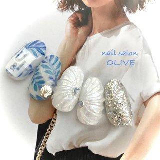 #笑顔nails #大人可愛い #夏 #貝殻 #シェル  #葉っぱネイル  #ホワイト #ラメ #おしゃれネイル  #マーメイドネイル  #ボタニカル #ブルー #マリンネイル #夏 #ハンド #シェル #人魚の鱗 #ボタニカル #ホワイト #ブルー #シルバー #ジェル #ネイルチップ #nail salon OLIVE #ネイルブック