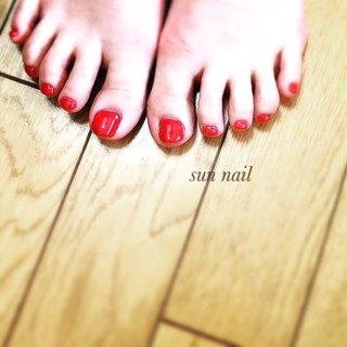 #ワンカラー #オールシーズン #レッド #フットネイル #サンダルの季節 #sun nail #ネイルブック