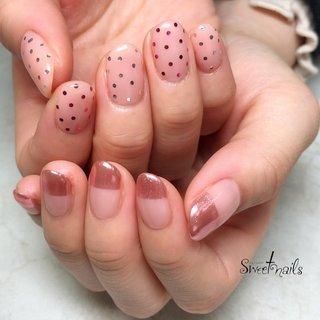 #ミラーネイル #ハンド #夏 #ジェル #ドット #春 #夏 #ハンド #シンプル #ドット #ミラー #ショート #ピンク #ジェル #お客様 #sweet nails #ネイルブック