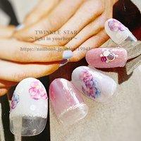 #春 #夏 #梅雨 #ハンド #フレンチ #変形フレンチ #ラメ #フラワー #ショート #ホワイト #ピンク #シルバー #ジェル #ネイルチップ #Twinkle Star Akiko #ネイルブック