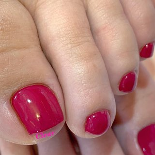 ・ ・ ・ 自粛中失礼致します またネイルが楽しめる日を願って🌈🌈🌈 ・ ・ お客様ネイル୨୧⑅* magenta◇gel ・ ・ ・ 色を塗らなくてもネイルサロンで出来るフットケアがとても大事で 清潔にしてこそ.足元のトラブル軽減です✧*̣̩⋆̩ →→匂いや巻き爪予防もケアが重要です‼︎ →→かかとのカサカサ見てみぬふりですか⁇(ↂ⃝⃓⃙⃚⃘_ↂ⃝⃓⃙⃚⃘) ▶︎足もフット専用マシーンで丁寧綺麗にケアします*̣̩⋆̩ ・ フットケア→¥3,100 (足浴+爪の形成+丁寧細かいマシーンケア+爪表面磨き+オイルとクリームでお仕上げ) ・ フットジェル→6,800 (足浴+爪の形成+丁寧細かいマシーンケア+ワンカラー込み+ジェルコート+オイルとクリームでお仕上げ) ・ ▷甘皮周りのすっきりさ✧*̣̩⋆̩ ご自分の足の甘皮周りと比べてみてください‼︎ 恥ずかしい(ↂ⃝⃓⃙⃚⃘_ↂ⃝⃓⃙⃚⃘)と思ったらClearへ♫•*¨ すっきり綺麗になりますよ♡ ・ ・ ・ ageha→マゼンダ ✼ •• ┈┈┈┈┈┈┈┈┈┈┈┈ •• ✼ ✾鳥取市扇町 ネイルサロンClear [営業時間 ]10:00〜17:00 [料金詳細.ご予約.お問い合わせ]【最新の営業予定】は ▶︎▷プロフィールのリンクツリー(URL )タップ👆🏻 ✾Clear phone 0857245911 ✾Instagram DM/Gmail ✼ •• ┈┈┈┈┈┈┈┈┈┈┈┈ •• ✼ #ネイル #ネイルアート #ネイルデザイン #春ネイル #トレンドネイル #ピンクネイル #ワンカラーネイル #お洒落ネイル #レッドネイル #フットネイル #ペディキュア #ジェル #ジェルネイル #ジェルネイルデザイン #フットジェル #ネイルサロンクリア #巻爪ケア #nail #nails #nailart #naildesign #newnails #gel #gelnail #gelnails #instanails #jelnail #pedicure #footnail #stayhome #春 #夏 #オールシーズン #オフィス #フット #シンプル #ワンカラー #ピンク #レッド #ボルドー #ペディキュア #お客様 #ネイルサロンClear #ネイルブック