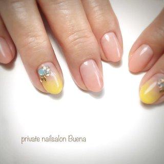 ✧ #カラーグラデーションネイル ⋆*❁*⋆.。* ✧ ※サロンは現在休業中です (休業前に撮り溜めた写真をアップしてます) ✧ #nail #nails #instanail #instanails #lovenails #cutenails #gelnails #gelnail #nailsdesign #nailfashion #ネイル #ネイルデザイン #ネイルスタグラム #ネイルアート #ジェルネイル #インスタネイル #💅 #大人ネイル #埼玉ネイル #上尾ネイル #上尾ネイルサロン #春ネイル #冬ネイル #美甲 #凝胶钉 #젤네일 #private nailsalon Buena #ネイルブック