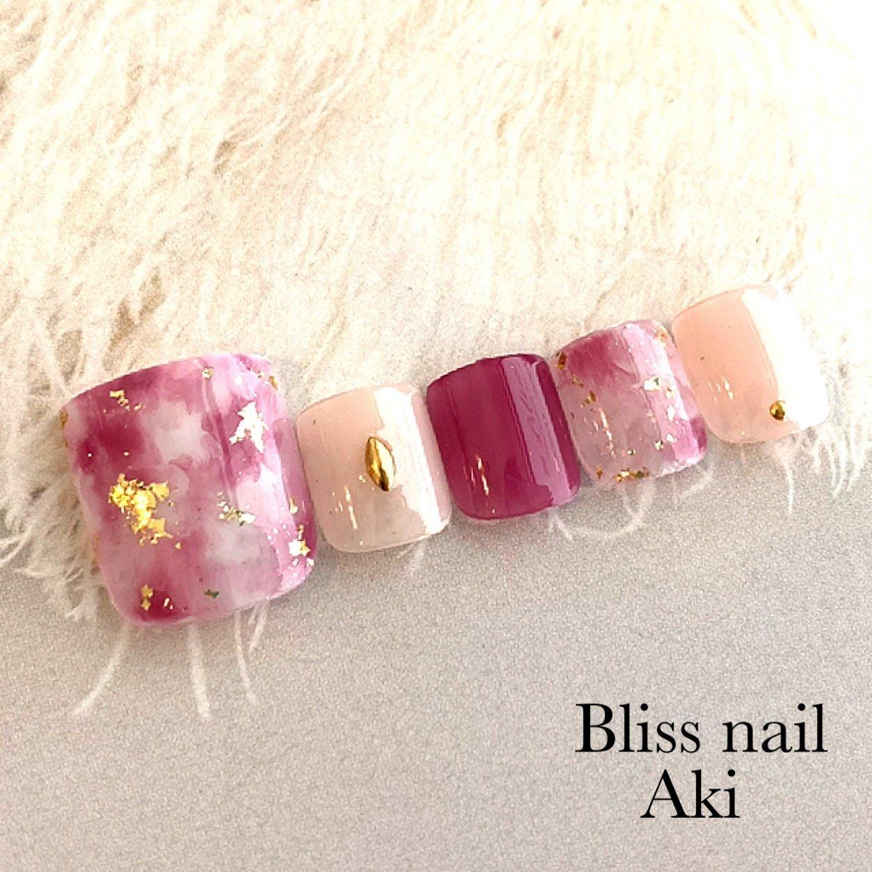 #フット #ホワイト #ピンク #レッド #ジェル #Aki1030 #ネイルブック