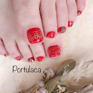 エスニック風ネイル ♡  #エスニック #赤  #フット #コンチョネイル  #手描きネイル   赤ベースにハートのコンチョが可愛い♪ゴールドの手描きデザインの雰囲気もいいですね〜☺︎  いつもありがとうございます♡ #ボヘミアン #エスニック #レッド #Portulaca #ネイルブック