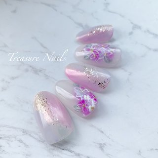 #紫陽花ネイル   . . . ご予約は . E-mail→info@treasurenails.com instagram→DM LINE@→@zcu3554I より、お願い致します。 . ▲▽▲▽▲▽▲▽▲▽▲▽▲▽▲▽▲▽ . お客様に寄り添うネイルサロン . 初めてのネイルサロン 爪が痛んでペラペラ ジェルネイルがすぐ浮いてしまう 爪の形がコンプレックス ブライダルネイルを相談したい など。。 . お気軽に、ご相談、お問い合わせ下さい‼︎ . メニュー、料金は、トップからホームページへ‼︎ ▲▽▲▽▲▽▲▽▲▽▲▽▲▽▲▽▲▽ . . #TreasureNails #トレジャーネイルズ #箕面ネイルサロン #箕面ネイル #箕面ブライダルネイル #プライベートサロン #ネイルサロン #自宅サロン #子連れネイル #オーダーチップ #大阪北摂#箕面#豊中#吹田 #JNEC1級 #持ちの良いジェル #オフが丁寧なネイルサロン #ケアが丁寧なネイルサロン #ブライダルネイル #シンプルネイル #オフィスネイル #大人ネイル #上品ネイル #nails#nailart#japanesenailart #春 #夏 #浴衣 #ハンド #フラワー #ホワイト #水色 #パープル #ジェル #ネイルチップ #treasurenails_Naoko #ネイルブック