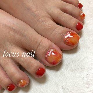 オレンジと赤のマーブル、 #オールシーズン #レッド #オレンジ #aya #ネイルブック