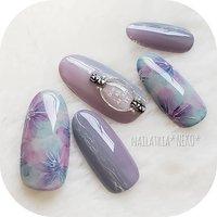 ★2020new★ :::hydrangea::: またまた紫陽花。。。 ぽく。 ちょっとおとなカラーで。 紫陽花が咲く頃は、 いろいろと、 少しでも、 落ち着いてるといいなー。 #紫陽花ネイル #あじさいネイル #アジサイネイル ********** @nailbook.jp より、ご新規様のネット予約可能になりました😊(プロフィールのURLよりご確認ください🎵) ********** #あじさい#アジサイ#紫陽花#水彩フラワーネイル#花柄ネイル#フラワーネイル#グラデーションネイル#ニュアンスネイル#おとなネイル#大人ネイル#おしゃれネイル#トレンドネイル#gelnails#naildesign#japanesenailart#네일아트#네일#네일디자인#美甲#美甲彩绘#ママネイリスト#東大阪市ネイルサロン#東大阪ネイルサロン#布施ネイルサロン#nailatelierNEKO#nailistNEKO#nailbook #夏 #ハンド #フラワー #ミディアム #パープル #グレー #NEKO #ネイルブック