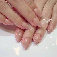 バレリーナカットネイル💅💓 「バレリーナネイル」をご存知ですか? バレエで使う、つま先が平らなトウシューズのように爪の先を平らに整えたネイルのことです☺️ ベースはヌーディベージュで、先端はベビーピンクの極細フレンチに💕  お爪がとても綺麗に見えるので、是非お試し下さいませ☺️✨ #春 #夏 #オールシーズン #ブライダル #ハンド #シンプル #フレンチ #ワンカラー #ミディアム #ベージュ #ピンク #パステル #ジェル #お客様 #etsuk #ネイルブック