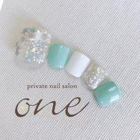 #春 #夏 #フット #ワンカラー #ホログラム #ラメ #ホワイト #グリーン #パステル #private nail salon one #ネイルブック