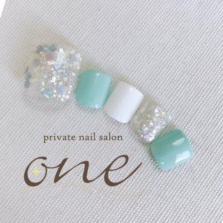 #春 #夏 #フット #ホログラム #ラメ #ワンカラー #ホワイト #グリーン #パステル #private nail salon one #ネイルブック