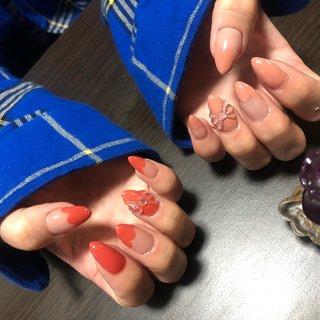 マイネイルチェンジ!! セルフの欠点は、撮ってもらわないと両手の写真が撮れない所ww  今回は3Dリボンを付けたかったので、ガーリーめにして、左右でイロチデザイン(*´꒳`*)   #ハンド #ジェルネイル #ジェル #セルフネイル #セルフネイル部 #セルフ #ミディアム #ポイント #オールシーズン #可愛いネイル #女子会 #デート #ガーリーネイル #ピンクベージュネイル #赤みピンク #ピンク #アシンメトリーネイル #イロチ #ワンカラー #フレンチネイル #フレンチ #変形フレンチ #3d #3dリボン #ホログラム #ラメ #シンプル #オフィスネイル #ネイル好きな人と繋がりたい #オールシーズン #オフィス #デート #女子会 #ハンド #シンプル #変形フレンチ #ワンカラー #リボン #ミディアム #ベージュ #ピンク #レッド #ジェル #セルフネイル #NICOLE☆ #ネイルブック