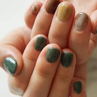 #ショートネイル #アシメネイル#オールシーズン #グリーン#グレージュ #ange nail salon #ネイルブック