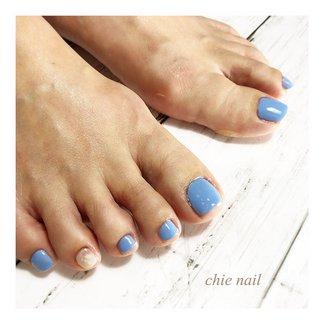 爽やかなブルー  #ブルー #ブルーネイル  #梅雨 #梅雨ネイル  #夏 #夏ネイル  #フット #フットネイル #春 #夏 #梅雨 #海 #フット #シンプル #ラメ #ワンカラー #ショート #ホワイト #水色 #ブルー #ジェル #お客様 #chie nailチエネイル #ネイルブック