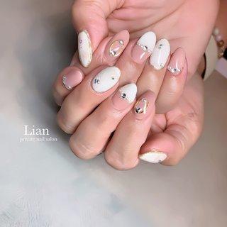 pink beige nail ❤︎ . . . 美容のためになるお話をいつも ありがとうございます❤️ . 自粛でご迷惑をおかけします 申し訳ございませんでした🙏😭💗 . . . #ネイルデザイン#ピンクベージュネイル#ホワイトネイル#pink#ネイルネイル#キラキラネイル#三木市#三木市ネイルサロン#三木市プライベートネイルサロン #private nail salon Lian #ネイルブック