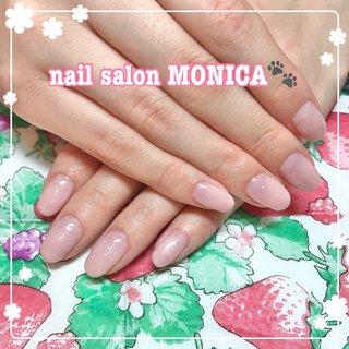 ベージュのラメがかわいいグラデーションネイル😻 #カラーグラデーション #ハンド #ベージュ #ピンク #nail salon MONICA 🐾 #ネイルブック