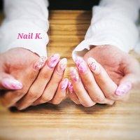 ピンクで華やかデザインです。 10本長さ出ししています。 ココイストジェリップ使用。  #持ち込みデザイン #ピンク #大理石 #シェル埋め込み  #デザインスカルプチュア #ラメ #シェル #ハート #大理石 #ロング #ピンク #ジェル #お客様 #Nail K. #ネイルブック