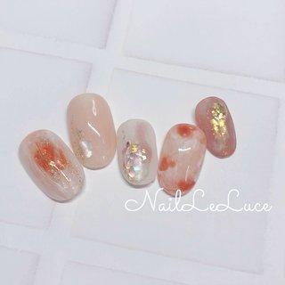 . ┴─┴┴─┴┴─┴✩.*˚ . お花みたいにふわんと。 そしてプルン。をON。 . ✩.*˚┴─┴┴─┴┴─┴ . . . . .  #nailstylist #nailsaddict #nailsnailsnails #coolnailart #frenchnails #simplenails #beautyas #ikebukuro #privetesalon #nailleluce #marblenail #hagoromo #シンプルネイル #スタイリッシュネイル #シンプルなネイルが好き #池袋南口 #プライベートサロン #透け感ネイル #大人のネイルサロン #大人のネイルアート #オトナ女子ネイル  #透けマーブル #透明感カラー  #温かみのあるオレンジ色  #透明感たっぷりネイル #プルンネイル #ニュアンスマーブル #ニュアンスネイル💅 #組み合わせいろいろネイル #シンプル #シェル #チーク #ニュアンス #べっ甲 #moto...hirano•*¨*☆*・゚〖NailLeLuce〗 #ネイルブック