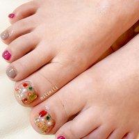 . フットネイルの季節が始まりました♡ 宝石箱みたいなジュエルネイル💎 . . . #nails#springnails#onecolornails#simplenails#summernails#officenails#footnails#jewelrybox#bijounail#ネイル#大人ネイル#大人可愛いネイル#上品ネイル#可愛いネイル#春ネイル#オフィスネイル#ワンカラーネイル#シンプルネイル#フットネイル夏フットネイル#ジュエリー#宝石ネイル#ビジューネイル#鹿児島#鹿屋#都城#日南#串間#志布志#志布志ネイル#志布志milimili #夏 #旅行 #海 #リゾート #フット #ワンカラー #ビジュー #パール #くりぬき #ブローチ #ピンク #グレージュ #ゴールド #ジェル #milimili #ネイルブック