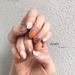 #ハンド #エスニック #シースルー #大理石 #ホワイト #オレンジ #ブラウン #Jouir for beauty - hair nail eyelash- #ネイルブック