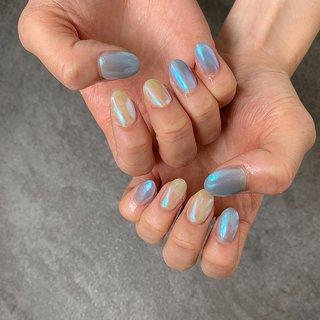 ♡ブルー×イエローのオーロラネイル♡  ブルー×イエローのオーロラネイル。 人気デザインのオーロラネイル。ブルーとイエローの組み合わせがかわいい♡ シンプルで存在感のあるおしゃれネイルデザインです。  #ブルー #イエロー #オーロラネイル #トレンド #ベルグロー #オールシーズン #パーティー #デート #女子会 #ハンド #ワンカラー #オーロラ #ミディアム #イエロー #ブルー #ジェル #お客様 #bg_nail #ネイルブック