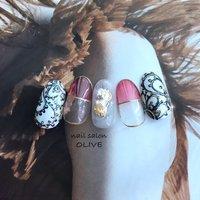#笑顔nails #大人可愛い  #アンティーク #大人女子 #クリアカラー #赤 #手描きアート  #ニュアンス #きれいめネイル  #夏 #夏 #オールシーズン #ハンド #変形フレンチ #アンティーク #クリア #レッド #ネイビー #ジェル #ネイルチップ #nail salon OLIVE #ネイルブック
