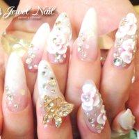 #オールシーズン #ブライダル #パーティー #デート #ハンド #グラデーション #フラワー #3D #ショート #ホワイト #ピンク #ゴールド #スカルプチュア #お客様 #JEWEL SALON total beauty【旧jewel nail】 #ネイルブック