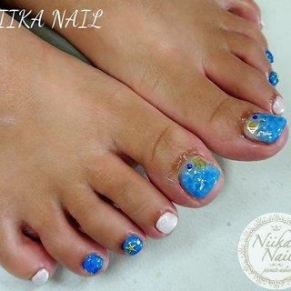 本日のお客様ネイル♡5/28 ブルー×ホワイトでラグーンネイル♪ #gelnail #nail #nails #naildesign #nailart #nailartist #nailbook #footnails #pedicures #pedi #フットネイル #ペディキュア #lagoonnail #bluenails #水面ネイル #ラグーンネイル #海ネイル #夏ネイル #格安ネイル #ジェル #ジェルネイル #美甲 #niika_nail #板橋区中台 #志村三丁目 #ツヤツヤ #キラキラ #可愛い #シンプル #夏 #海 #リゾート #女子会 #フット #ラメ #グラデーション #スターフィッシュ #ショート #ホワイト #ブルー #ジェル #お客様 #Sa7e_Kurihara #ネイルブック