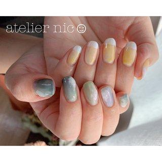 my nail ◡̈⃝︎⋆︎*  #ニュアンスネイル  #ニュアンス  #もやもやネイル  #ぼこぼこネイル #オールシーズン #ハンド #フレンチ #ニュアンス #ミラー #ショート #イエロー #グリーン #ブルー #ジェル #セルフネイル #atelier-nico☺︎✩.*˚ #ネイルブック