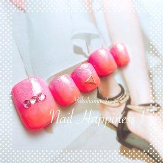 #キラキラフット#バイカラーフット#フットネイル2020 #磯子ネイルサロン #夏 #オールシーズン #海 #リゾート #フット #ラメ #バイカラー #ピンク #オレンジ #Nail Happiness!(ネイルハピネス)*ささきまき #ネイルブック
