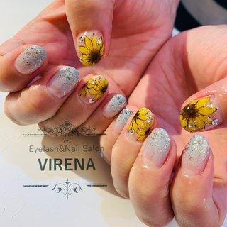 ひまわりと青空 #夏ネイル #リゾート  #2020夏ネイル #ひまわり #virena #ネイルブック
