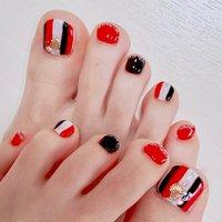 赤と黒がかっこいい(∩ˊᵕˋ∩)・*   #赤 #黒 #フット #愛知 #海 #パーティー #デート #女子会 #フット #ストライプ #ショート #ホワイト #レッド #ブラック #ジェル #お客様 #yo.3. #ネイルブック