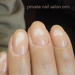 Instagram→nail.salon.omi   手洗いや消毒することが増えて 爪の横にささくれができたり、硬くなっていたりしませんか?  なかなか自分でケアするのは 難しいですよね。  甘皮やささくれも綺麗になって 艶々なネイルが似合う 指先になりました。  乾燥すると 指先もカサカサになってきます。  気になる方はサロンで しっかりケアしませんか? . . . @gelgraph  023GP . . . ※新型コロナウイルス感染予防のため、サロン内の衛生管理を徹底しております。 5/末まで、顧客様のみの限定で営業させていただいております。 . . . □ご予約・お問い合わせはトップページのブログからお願いいたします。 @nail.salon.omi . . ・新潟市西区 ・LINE→@der5125h ✉nailsalon.omi@gmail.com . . □ご新規のお客様の初回特典などトップページのブログからご覧いただけます。 @nail.salon.omi . . #新潟市西区 #新潟市西区ネイル #新潟市西区ネイルサロン #ジェルネイル #シンプルネイル #オフィスネイル #ワンカラーネイル #ヌーディーネイル #ベージュネイル #新潟市ネイル #新潟ネイル #新潟市西区小新 #甘皮ケア #ケア重視 #ピンクベージュネイル #新潟ネイル #新潟市ネイルサロン #上品ネイル #ビジューネイル #新潟プライベートサロン #新潟市プライベートネイルサロン #オールシーズン #オフィス #デート #ハンド #シンプル #ラメ #ワンカラー #ショート #クリア #ベージュ #ジェル #お客様 #private nail salon omi #ネイルブック
