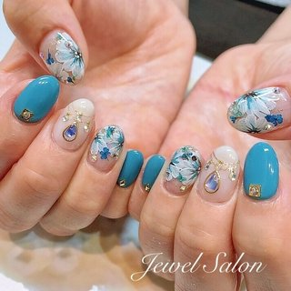 #オールシーズン #海 #浴衣 #ブライダル #ハンド #ワンカラー #フラワー #ビジュー #押し花 #ロング #ホワイト #ターコイズ #ブルー #ジェル #お客様 #JEWEL SALON total beauty【旧jewel nail】 #ネイルブック