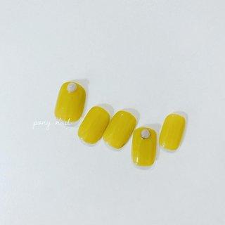 【6/1〜営業再開します】 リーズナブルな¥4500サンプル♡ 黄色と黄緑が混ざったような、これからの季節にとってもオススメなカラーです♡ 𓂃 price ¥4500(+tax) #ponynail#nail#nails#nailsalon#nailist#gel#gelnail#ネイル#ネイルサロン#ネイリスト#ジェル#ジェルネイル#ポニーネイル#オフィスネイル#シンプルネイル#カジュアルネイル#トレンドネイル#ワンカラー#ワンカラーネイル#夏ネイル#夏ネイルデザイン#刈谷#東刈谷#東刈谷ネイル#刈谷市ネイルサロン#東刈谷ネイルサロン #pony nail #ネイルブック
