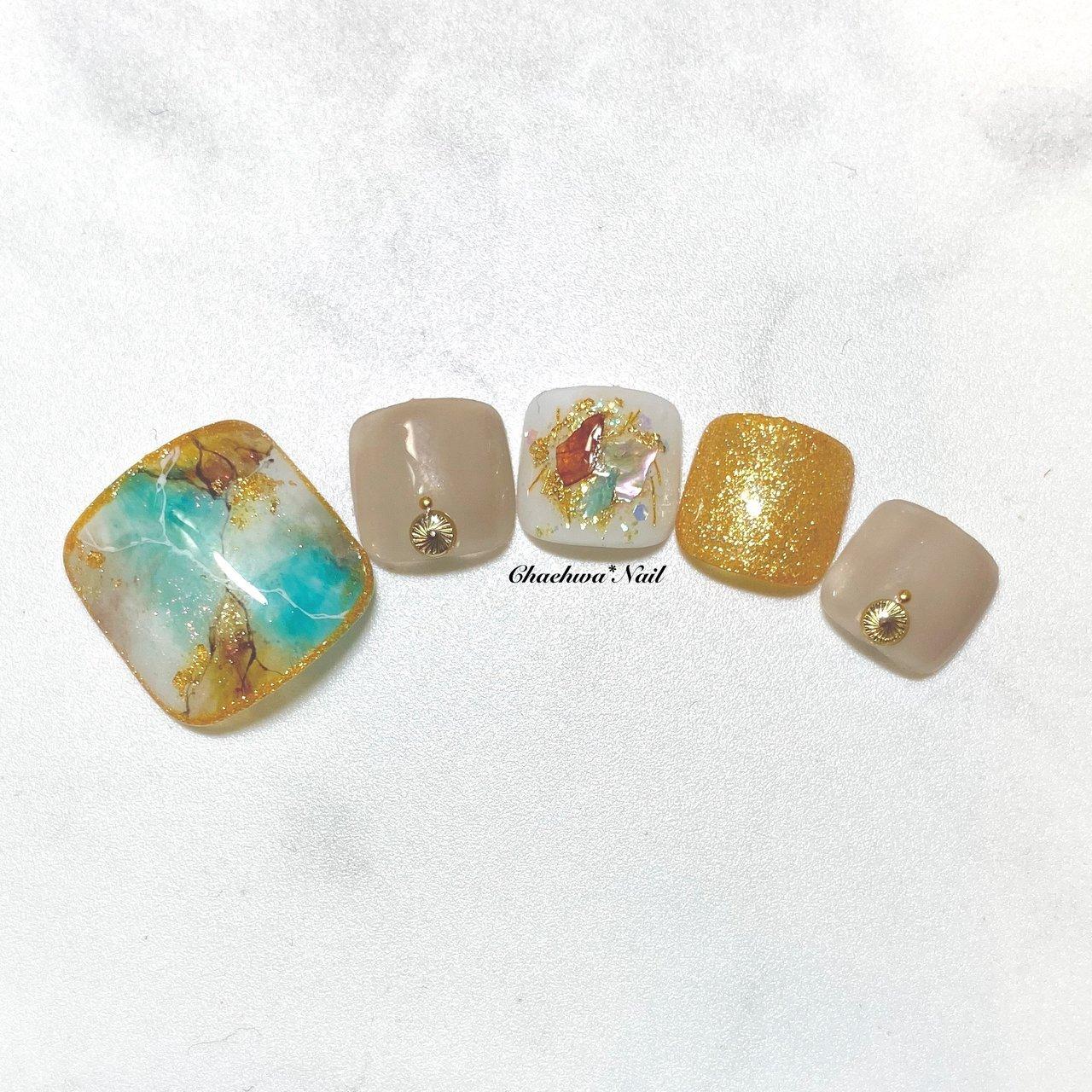 ターコイズ×大理石♡ . フットサンプル沢山作りました〜 少しずつUPして行きまーす♪ フットデザイン、、 ハンドにやっても かわいいデザインで作ってます〜(*´꒳`*)♪ . #nails #naildesign #nailart #color #painting #footnail #summer #art #marble #chaehwanail #ネイル#ネイルデザイン #大理石ネイル #天然石 #シースルー #手書き #フットネイル #ターコイズ #カラー #ジェルネイル #川崎ネイルサロン #川崎 #グレージュ #네일#네일아트#네일스타그램 #젤네일 #여름 #발스타그램 #美甲 . . . ご予約は↓からお願いします! *ネイルブックネット予約(プロフィールのURLから予約可能!) . お問い合わせは↓からお願いします! *LINE@ : @chaehwa_nail(@から検索) *Instagram DM : @chaehwa_nail . ご連絡お待ちしております(*´꒳`*)♪ Chaehwa*Nail #夏 #旅行 #海 #リゾート #フット #ラメ #シェル #シースルー #タイダイ #大理石 #ミディアム #ターコイズ #ブラウン #グレージュ #ジェル #ネイルチップ #chaehwa_8127 #ネイルブック