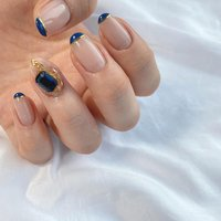 . . . . ちゅるんちゅるんのベージュをベースに ネイビー感強めのブルーでパッツンライン! . 片手だけがっつりパーツ。可愛すぎです! チェーンは2種類使ってます 色はブルーだけど大人綺麗めになりました☺︎ . ストーン載せ放題1本/¥450 . ありがとうございました! . ブルー特集終了☺︎ . . . . .  #nail#ネイル#ネイルサロン#ネイリスト#ネイルデザイン#元町ネイル#元町ネイルサロン#春ネイル#冬ネイル#秋ネイル#夏ネイル#神戸ネイル#神戸ネイルサロン#三宮ネイルサロン#パーツネイル#パーツデザイン#ネイビーネイル#シンプルネイル#ぱっつんフレンチ#ショートネイル#ブルーネイル#大人ネイル#ちゅるんネイル#チェーンネイル#vカット#夏#ブルー#三ノ宮#三宮#元町#県庁前 #オールシーズン #卒業式 #入学式 #ハンド #シンプル #フレンチ #変形フレンチ #ビジュー #ミディアム #クリア #ベージュ #ブルー #ジェル #お客様 #nailsalon Chulo #ネイルブック