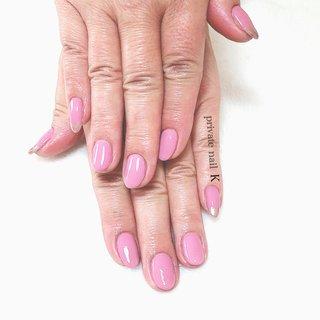 レトロピンクネイル🙌🏻 左右の親指.小指に爪先ミラーネイル✨ 2ヶ月振りネイル💅お客様のお気に入りcolour  😷感染予防の為、飛沫ガード設置致しました。  5月13日より感染予防徹底、時間短縮での営業再開いたしました。 詳しくは… nail book最新情報をご確認下さい。 ・ ・ ・ #お客様#ネイル#ジェルネイル#agehagel#レトロピンクミラー#ミラーネイル#感染予防対策して営業してます #アマビエ様#コロナ早く終息して#おうちにいよう#ステイホーム#summerネイル#大人ネイル#お問合せのみ可能#ご新規様大歓迎#当日予約可能#サンプルデザイン#オフなし限定有#夏デザインサンプル有#フットネイル#定額デザイン有#群馬県#群馬県伊勢崎市ネイルサロン#伊勢崎市#前橋市#ネイルサロン#privatenailsalon #夏 #オールシーズン #ハンド #ワンカラー #ミラー #ミディアム #ピンク #シルバー #ジェル #お客様 #nailk #ネイルブック