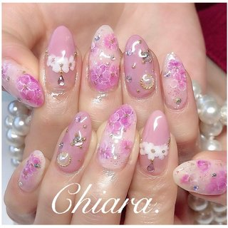 *   pinknails 💍♡   #梅雨ネイル           Instagram → yochan4.nail #春 #夏 #オールシーズン #梅雨 #フラワー #ビジュー #パール #ピンク #YokoShikata♡キアラ #ネイルブック