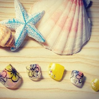 #フットネイル #夏ネイル #2020年夏 #タイダイ #花 #イエロー #透け感 #夏 #旅行 #海 #リゾート #フット #フラワー #タイダイ #ピンク #イエロー #水色 #M's_nails #ネイルブック