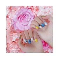 #春 #オールシーズン #ブランド柄 #ホワイト #イエロー #ブルー #enenstyle Porcelarts&Nail Salon #ネイルブック