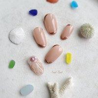 ピンクでさりげなく 人魚の鱗ネイル🐚 #夏 #オフィス #パール #シェル #人魚の鱗 #ネイルチップ #Soel Nail #ネイルブック